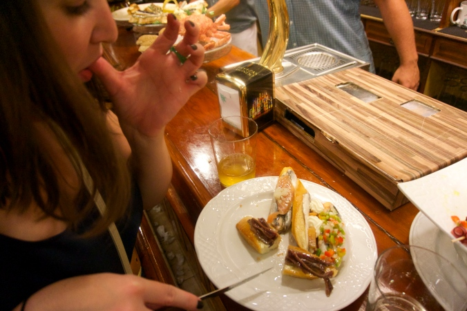 Pinxos de anchoa, San Sebastian